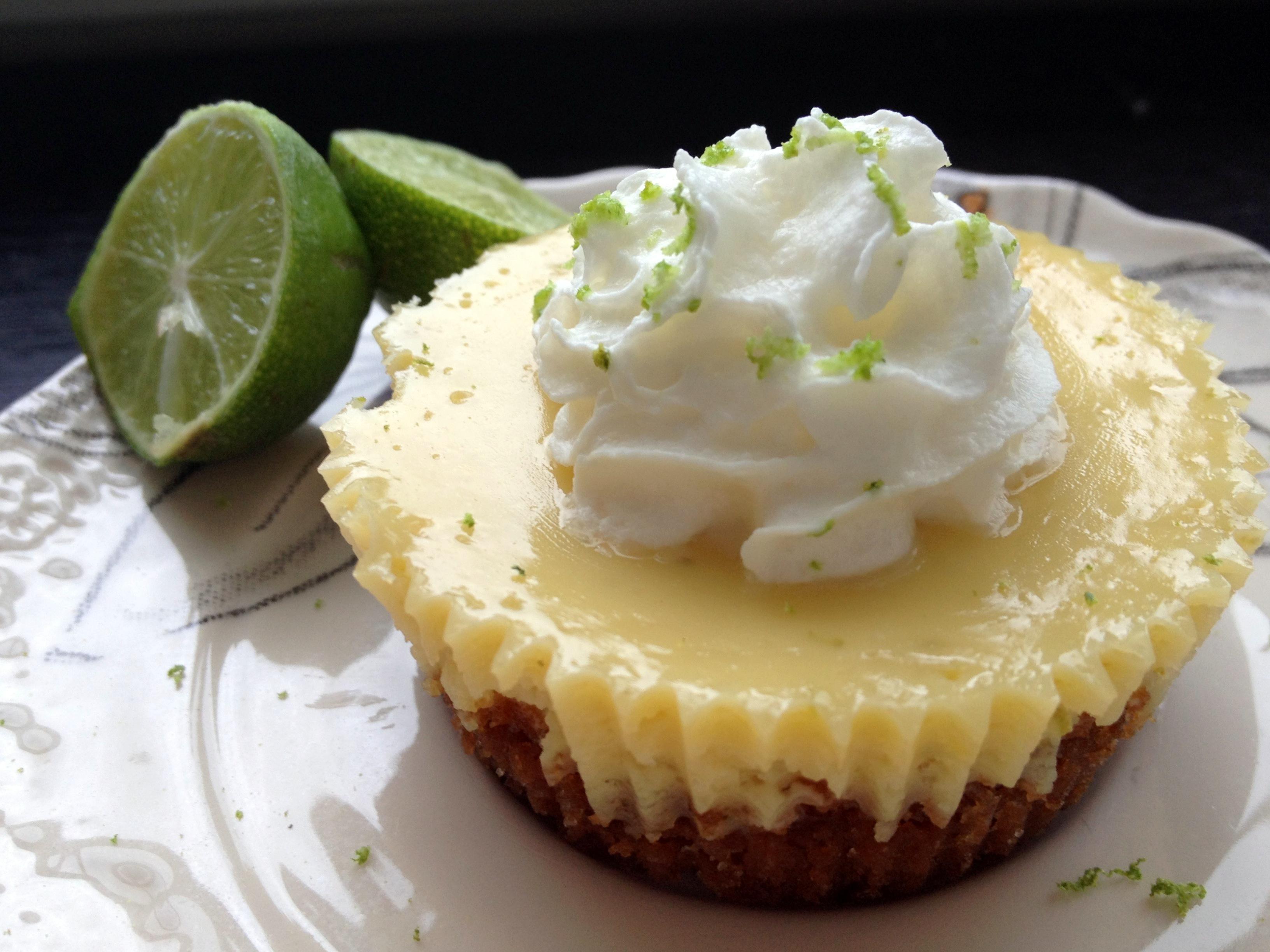 Mini Key Lime Pies | The Sassy Swan